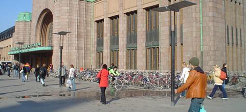 Aparcamientos de bicicletas en el centro de Helsinki